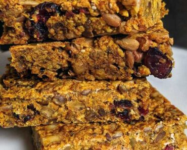 10 Best Granola Bars of 2021 – Taste Tested & Ranked!