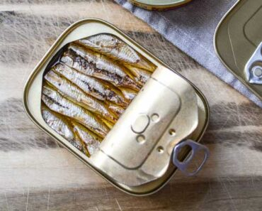sardines vs anchovies